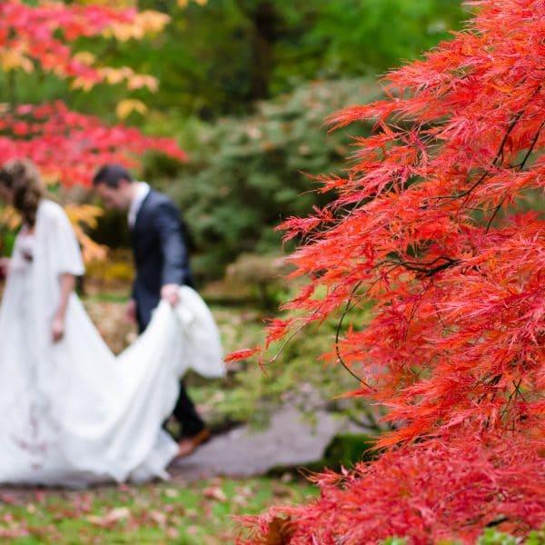 Hochzeit im Herbst als romantische Gartenhochzeit