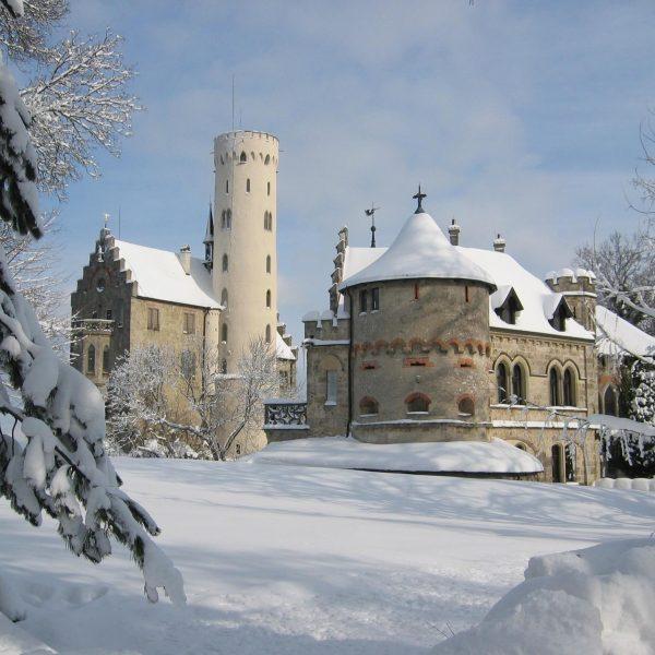 Im Winter wird die Hochzeit zu einem wahren Traum in Weiá 600x600 - Im Winter wird die Hochzeit zu einem wahren Traum in Weiß.