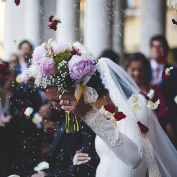 bloom 1836315 1280 1 600x600 - Die schönsten Hochzeitsbräuche