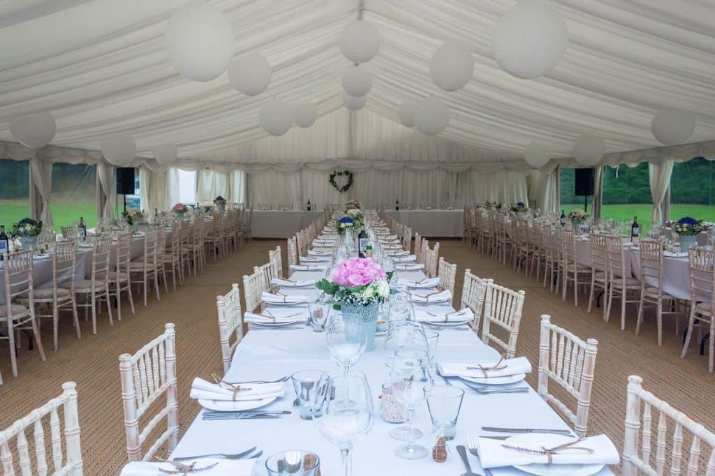 dinner party 1937040 1280 1024x682 - Die perfekte Sitzordnung für eure Hochzeitsfeier