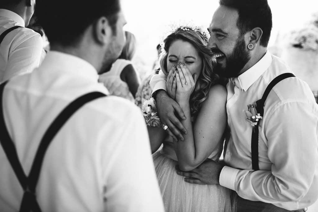 happy 2245556 1280 1024x682 - Keine Panik – So vermeidet ihr unangenehme Situationen auf Eurer Hochzeit