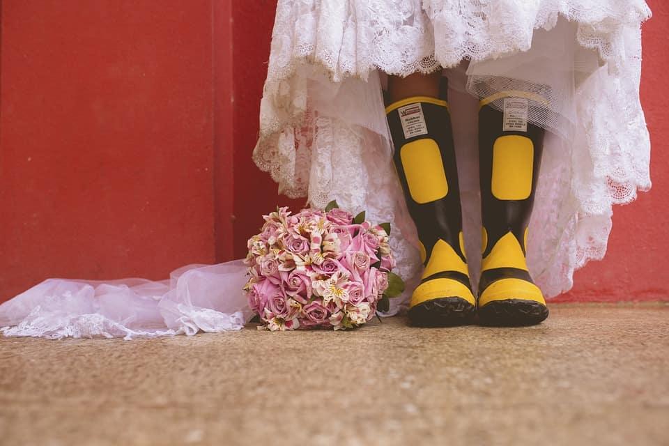 ViewProfilePicture - Regen auf der Hochzeit? Mit unseren Tipps fällt deine Feier garantiert nicht ins Wasser!